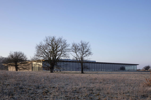 Xưởng sản xuất da thủ công Louis Vuitton