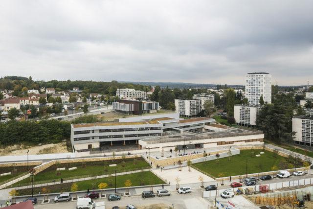 Trường học D. Mitterrand – Pierrefitte-sur-Seine (Pháp)